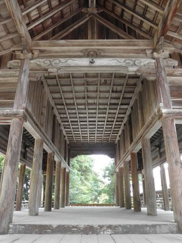 猿投神社拝殿内部