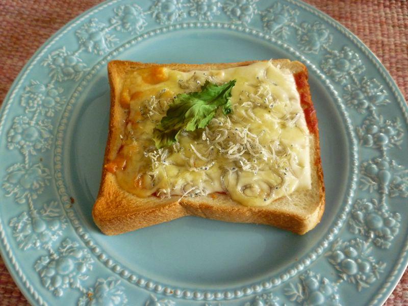 チリメン入りチーズトースト