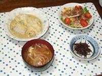 12/7 夕食 ロール白菜、サラダ、ちりめん山椒、玉ねぎの味噌汁