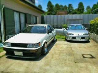 AE86とAE111
