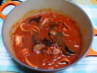 ナスとイカのトマトソース煮込み(ルクルーゼ)