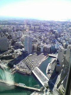 横浜の街の朝