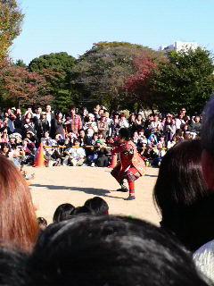 踊る前田慶次