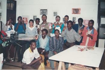 ケニアで教えた画学生達
