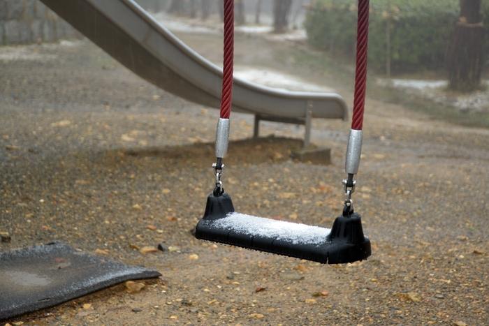 公園の雪-1