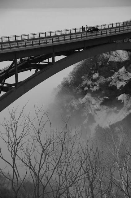 雲海に浮かぶ不動沢橋