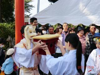 【足裏士たけ 神社 高屋敷稲荷神社 11-10-9-3】