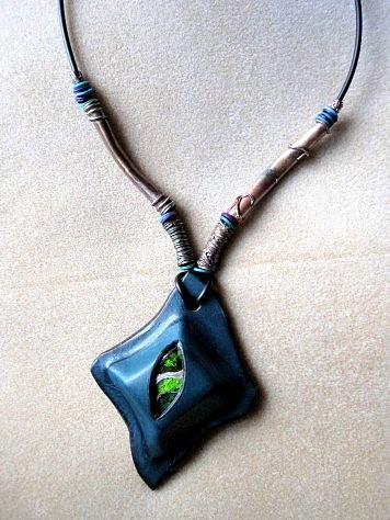 青緑のペンダント 007