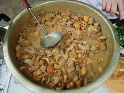 鳥皮の味噌炊き鍋