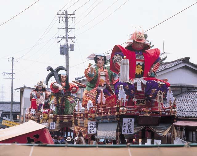 三国祭り山車たち1