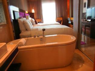 Renaissance Hotel Thailand3