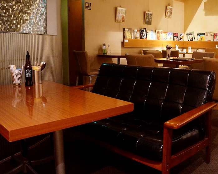 13-6-26-cafe-04.jpg