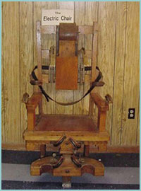スタノが処刑されたのと同型の電気椅子