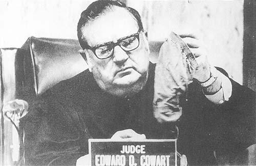 カワード判事