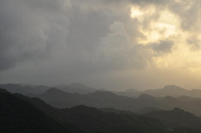 碧山巖の夜明け(3)
