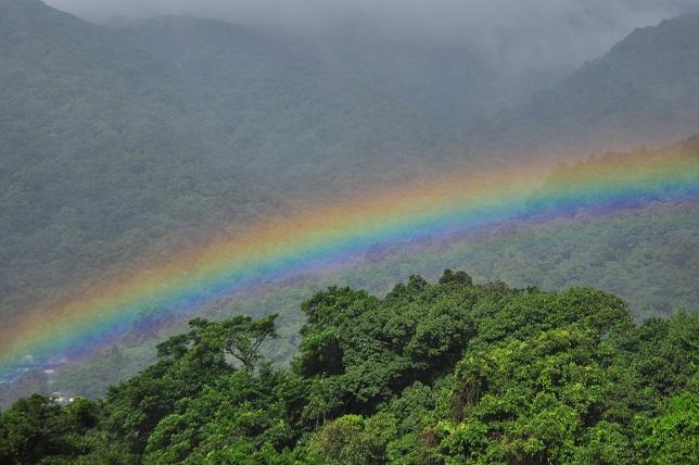 山と虹(2)
