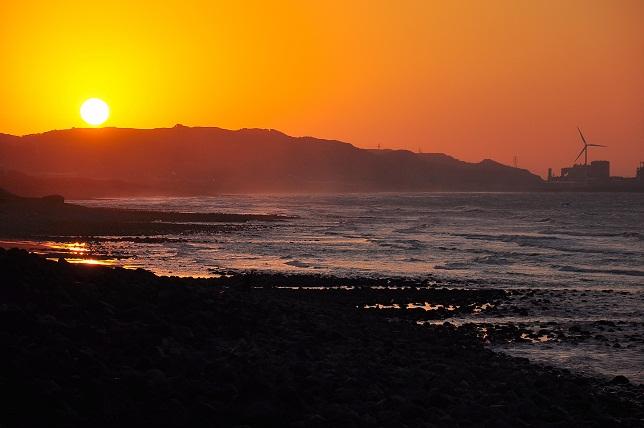 夕暮れ時の海岸線(1)