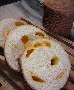 チーズホールブレッド