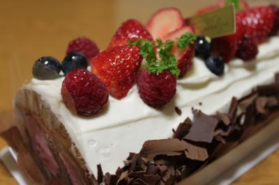 ベリーのロールケーキ