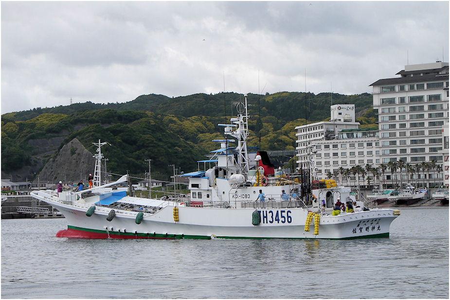 カツオ一本釣り漁船・佐賀明神丸