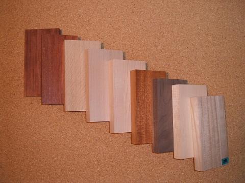 コンセントベース 木材 素材