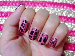 ピンク×ブラック クラックネイル