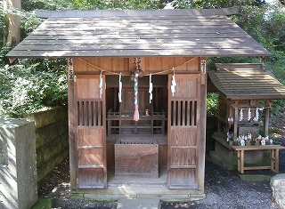 中氷川石上神社