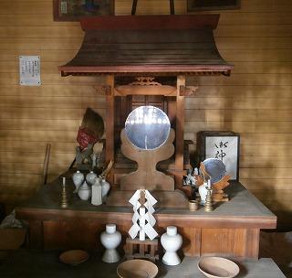 稲荷神社内部