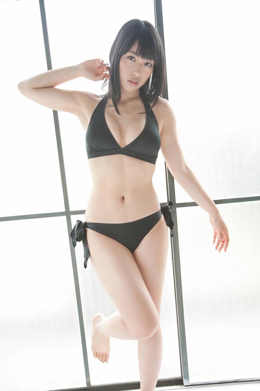 抜群なスタイルを見せる増田有華の画像
