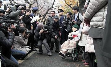 従軍慰安婦(売春婦)と行動を共にする日本人