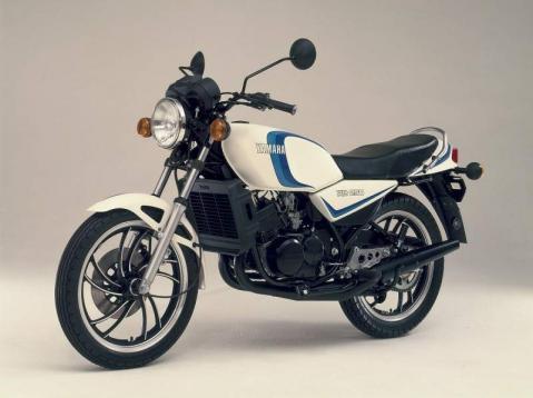 Yamaha RZ250LC 80 1