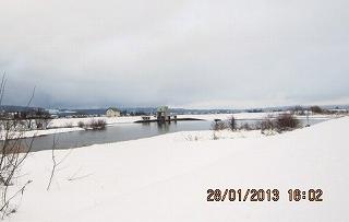 堰の冬景色