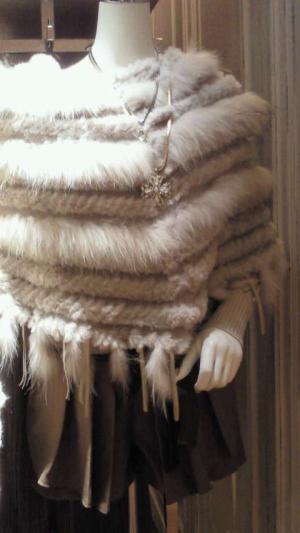 white+fur+poncho_convert_20111112222301.jpg
