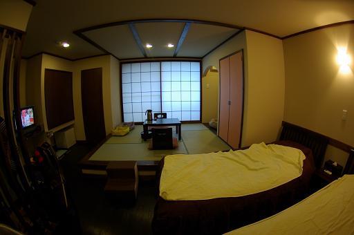 110917B-14room view
