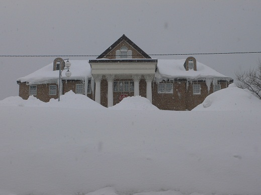 120220雪山の向こうはホテル