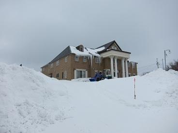 120123雪の向こうはホテル