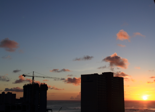 102ホテルと夕日