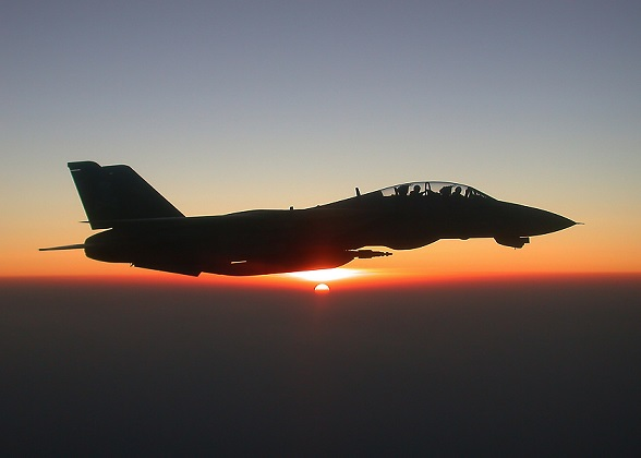 F14飛ぶ