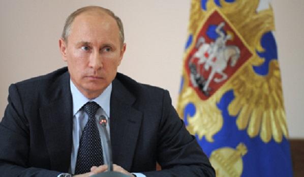 プーチンデスク