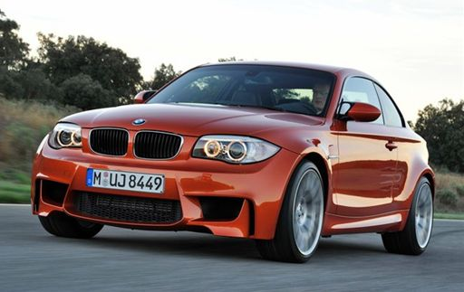 BMW1M_R.jpg