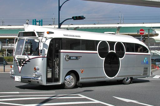 disney_bus_R.jpg