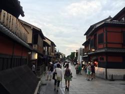 京都駅までひと歩き