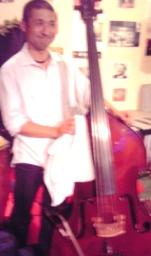 5strings-bass.jpg