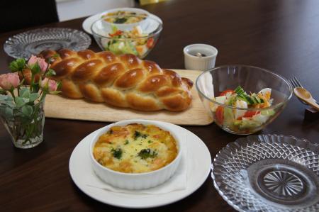 ランチ 三つ編パン