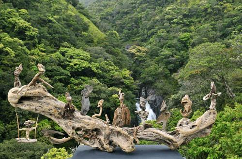 竜神の滝にて