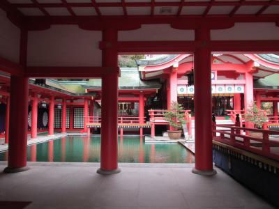 赤間神宮拝殿内