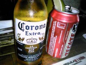 「コロナビール、テカテ」(メキシコ)