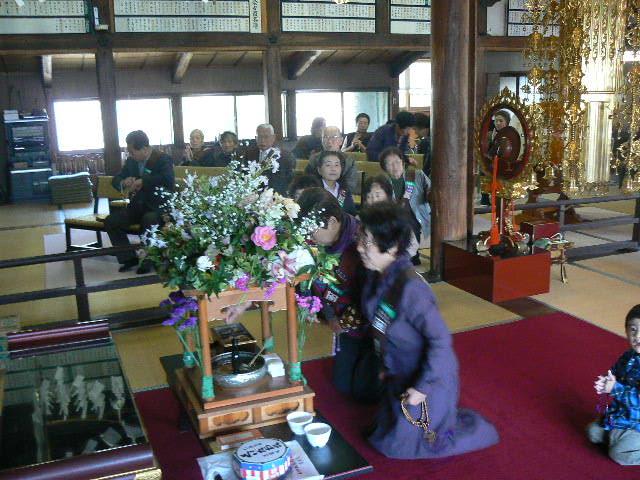 花祭り甘茶供養