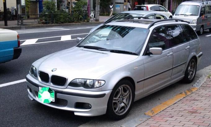 BMW   318 i_20110924