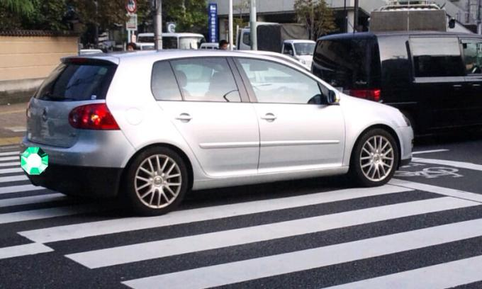 VW    GOLF_20111024